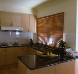 Venetian blinds in a Brunswick kitchen